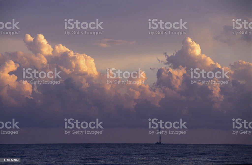 & nubes cumulus al atardecer, República Dominicana - foto de stock