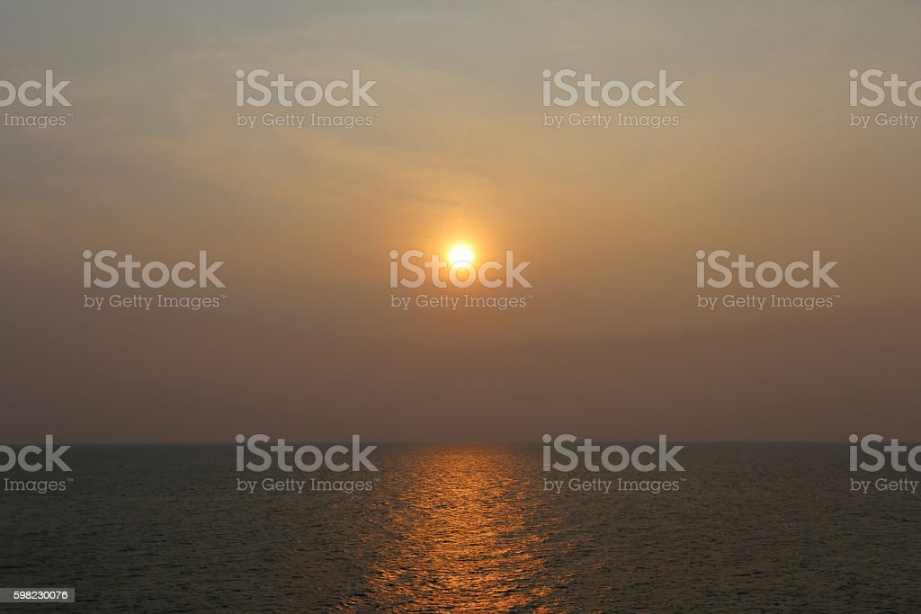 Sunset horizon in the evening near the sea Thailand. foto royalty-free
