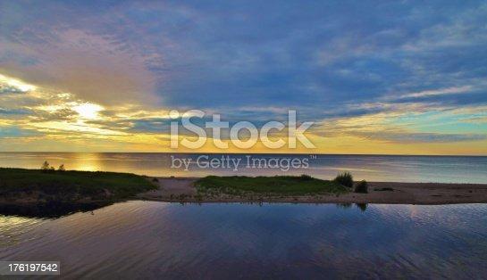 832047798istockphoto Sunset Horizon 176197542