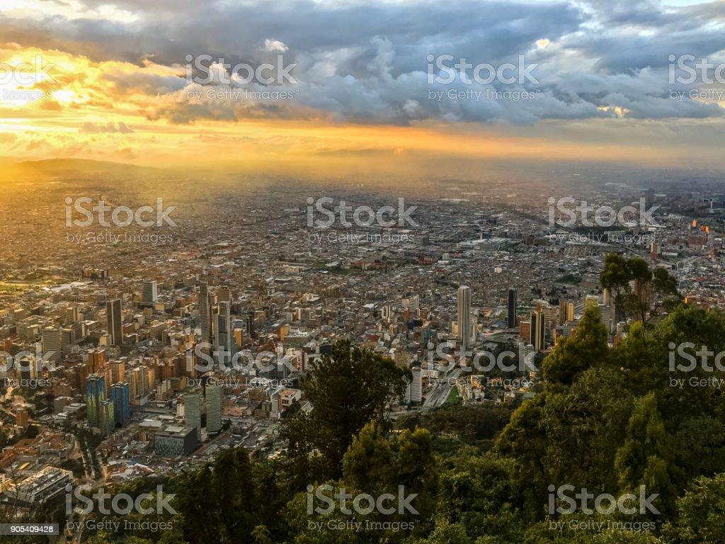 Puesta de sol en Bogotá, Colombia - foto de stock