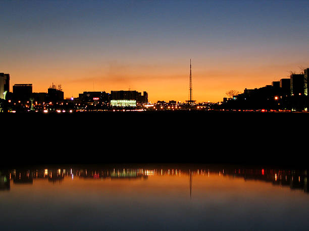 Pôr-do-sol em Brasília, Brasil - foto de acervo