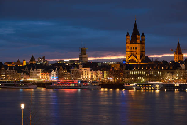 Sonnenuntergang in Köln - Panorama mit der Groß St. Martins Kirche - Altstadt, Fischmarkt – Foto