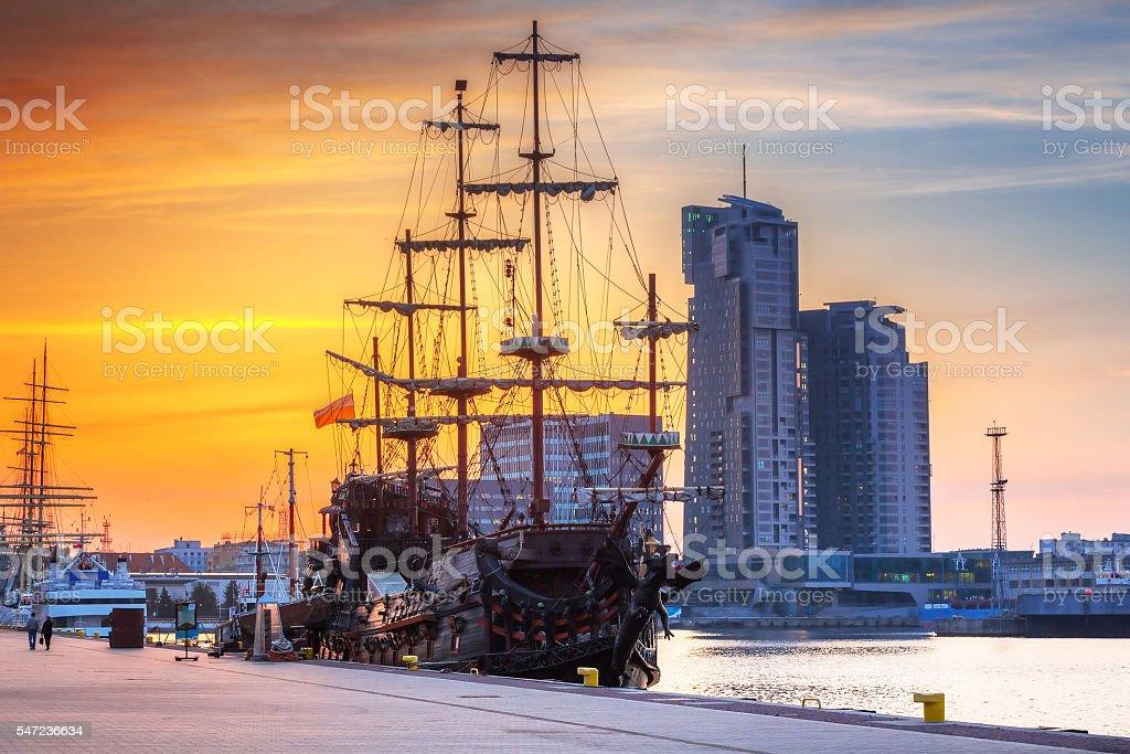 Sunset in Gdynia city at Baltic sea – zdjęcie