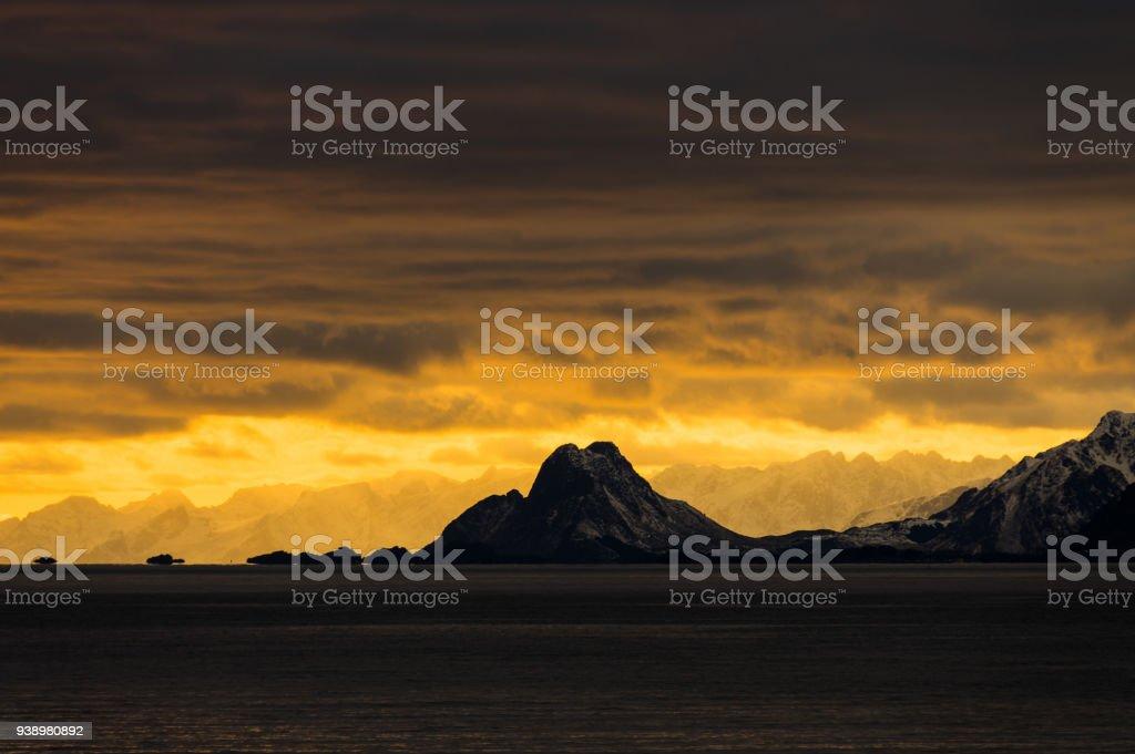 Lofoten gün batımı stok fotoğrafı