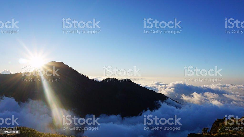 Tramonto in montagna foto stock royalty-free