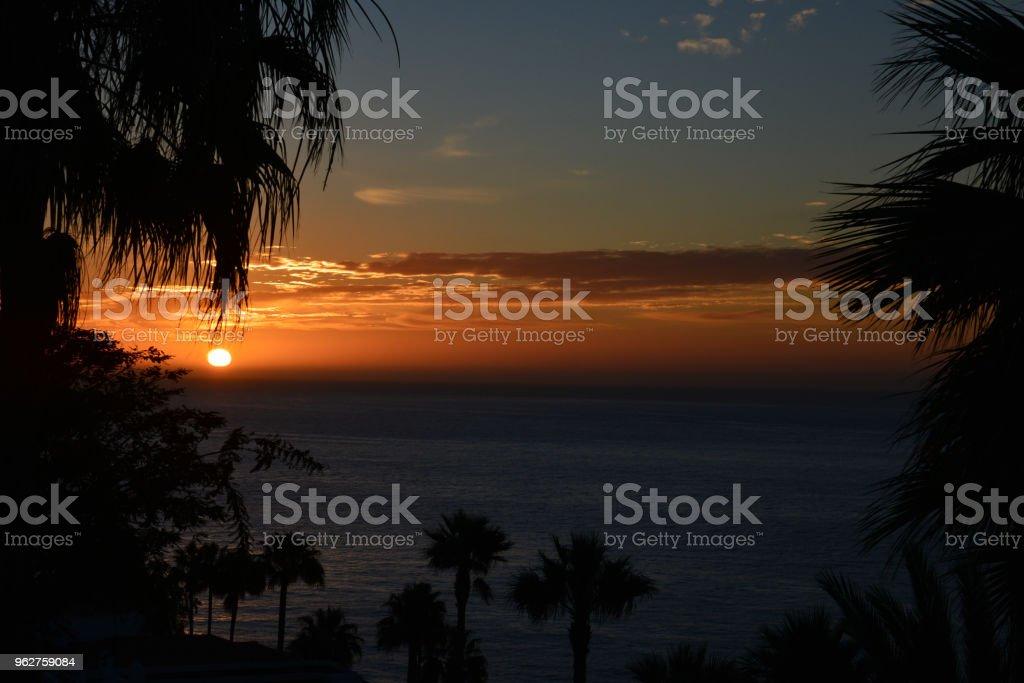 Sunset in Playa de Santiago (Tecina Garden) in La Gomera - Foto stock royalty-free di Ambientazione esterna