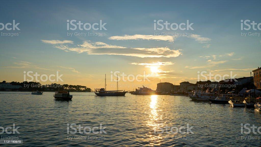 Sonnenuntergang in Porec in Kroatien – Foto