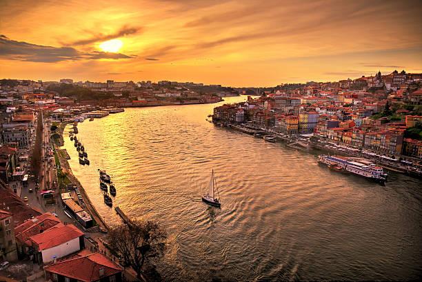 sunset in porto - portugal imagens e fotografias de stock
