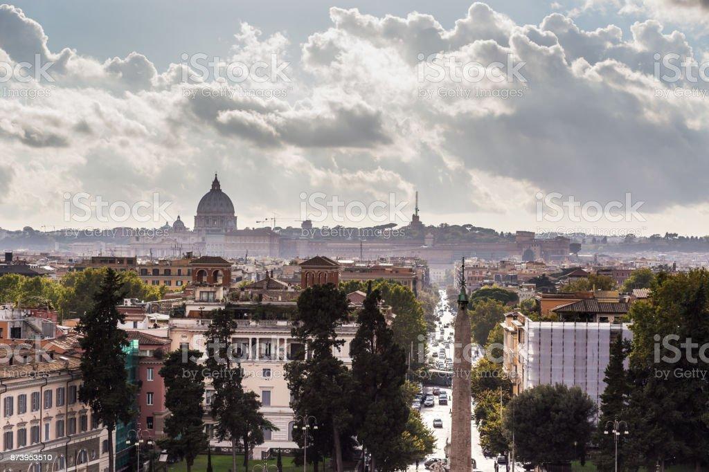 Pôr do sol, em Roma - foto de acervo