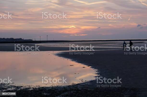 Zachód Słońca Na Plaży - zdjęcia stockowe i więcej obrazów Bez ludzi