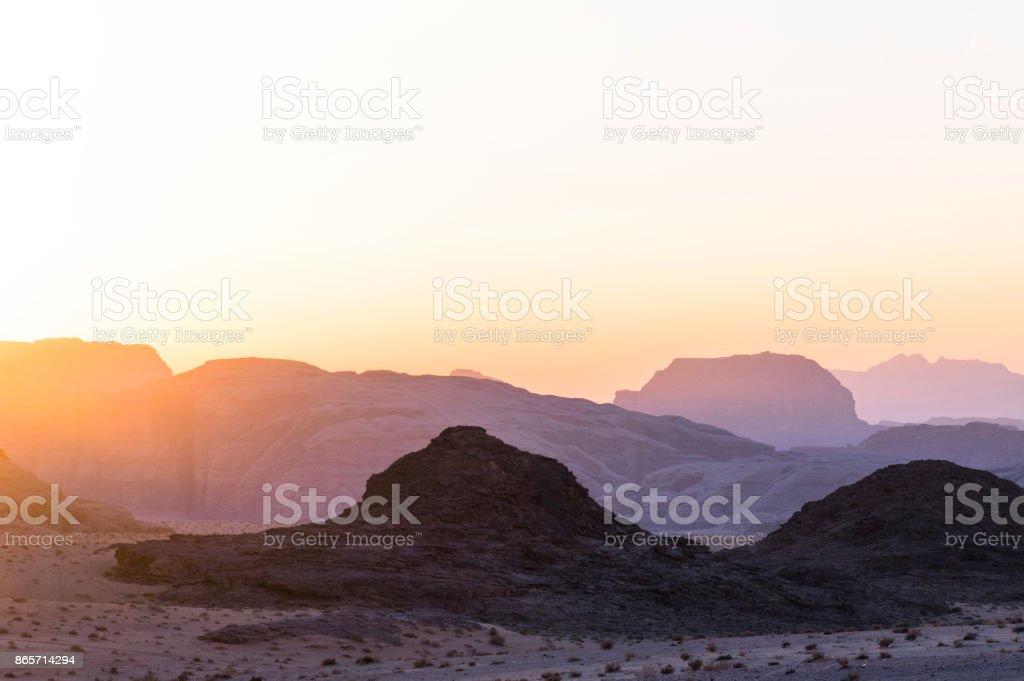 Çölde günbatımı stok fotoğrafı