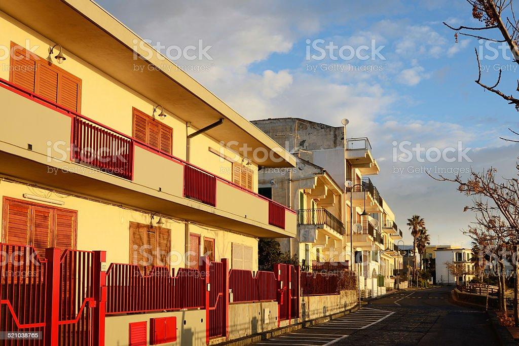 Tramonto nella città italiana di Acireale - foto stock