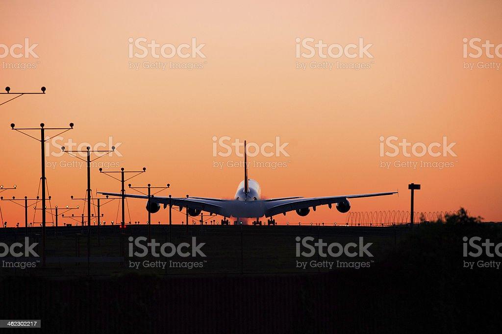 Pôr-do-sol Landing - foto de acervo