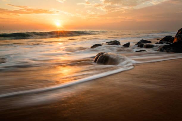 paysage au coucher du soleil  - paysage zen photos et images de collection