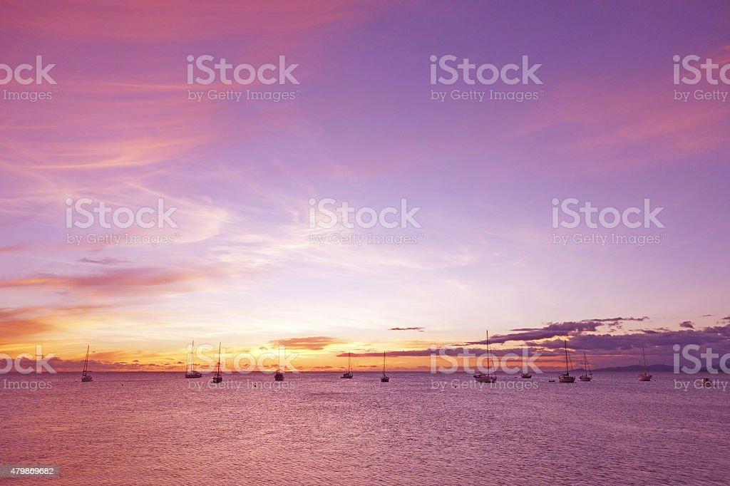 Atardecer de escapado island resort de Nueva Caledonia - foto de stock