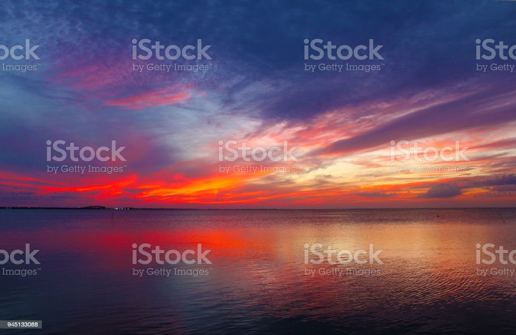 Sunset off South Padre Island looking toward the Mainland - Foto stock royalty-free di Acqua