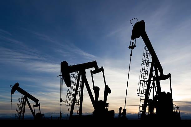 Sunset Ölbohrtürme – Foto