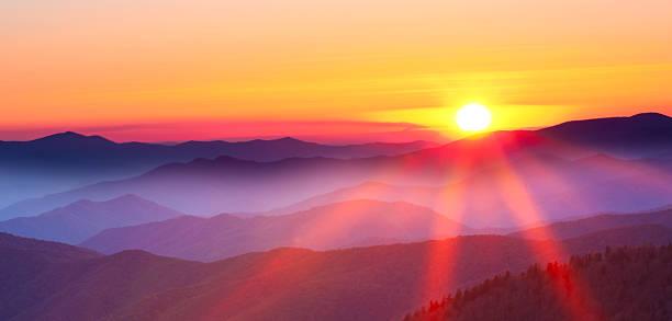 гора закат - sunset стоковые фото и изображения