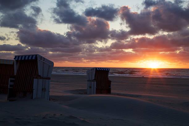 sunset cup coral auf baltrum - urlaub norderney stock-fotos und bilder
