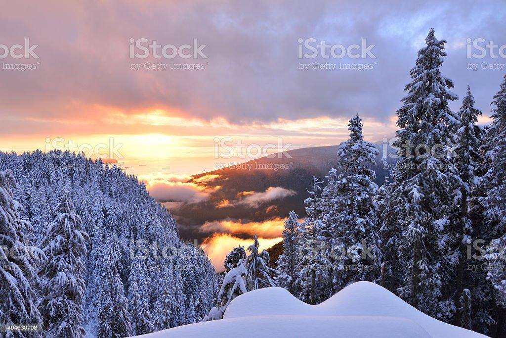 Sonnenuntergang am Grouse Mountain – Foto