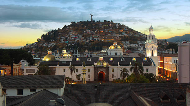 sunset on independence square in quito - alejomiranda stock pictures, royalty-free photos & images