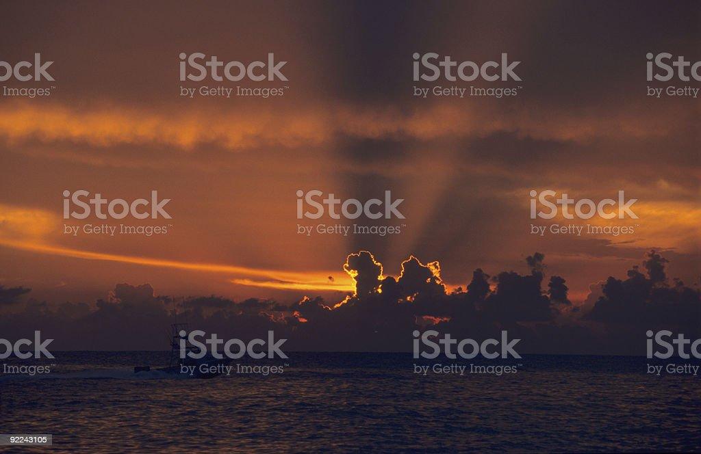 Puesta de sol sobre el océano en Bayahibe, República Dominicana - foto de stock