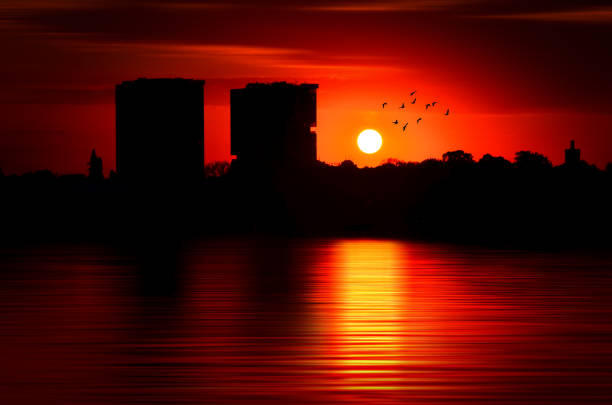 Coucher de soleil sur le lac - Photo