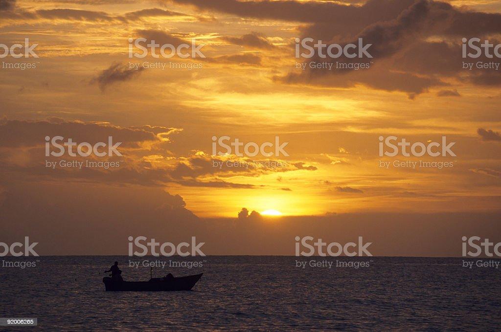 Puesta de sol sobre el océano -Bayahibe-República Dominicana - foto de stock