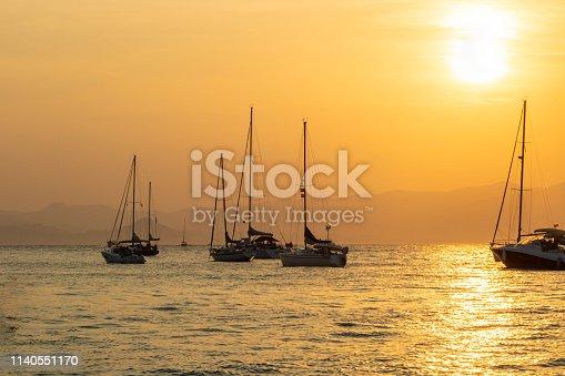 Photo marine, cordage et bateaux