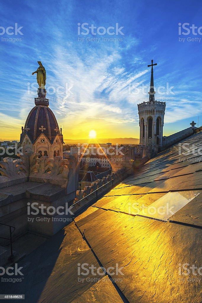 Coucher de soleil sur le haut de la Basilique - Photo