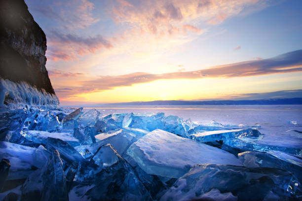 Sonnenuntergang im Winter am Baikalsee – Foto