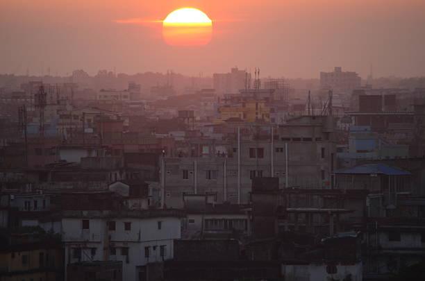 선셋 위의 방글라데시 다카 스톡 사진