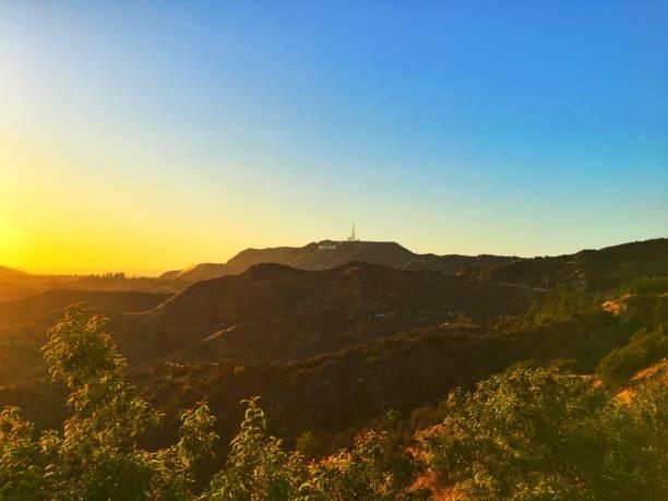 solnedgång över hollywood-skylten, los angeles, kalifornien - hollywood sign bildbanksfoton och bilder