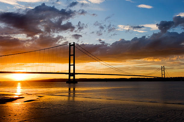 sunset over humber bridge - hull stock pictures, royalty-free photos & images