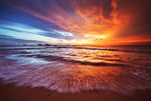 Sunset over Indian ocean bildbanksfoto