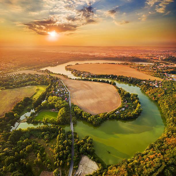 sunset over lake. - çek cumhuriyeti stok fotoğraflar ve resimler