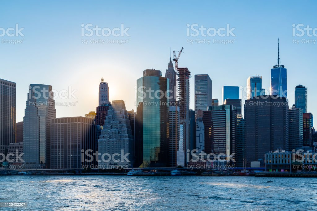 Sunset over Manhattan - View from Brooklyn park - foto stock