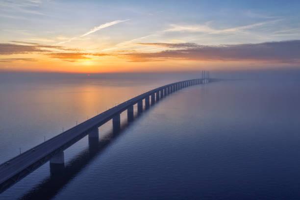 solnedgång över oresundsbron öresunds bron - öresund bildbanksfoton och bilder