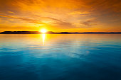 夕暮れ時の水上バンガロー
