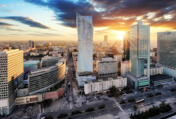 Sonnenuntergangspanorama von Warschau, Hauptstadt von Polen, Europa – Foto