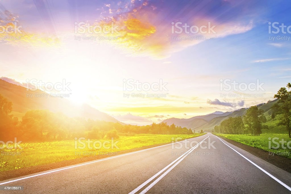 sunset road in mountains – Foto