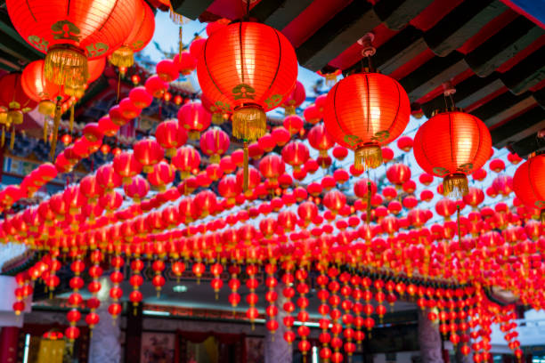 sunset scene of red lanterns decorations in chinese temple name is thean hou temple at kuala lumpur, malaysia. this place is famous during the celebration of chinese new year. - festival delle lanterne cinesi foto e immagini stock