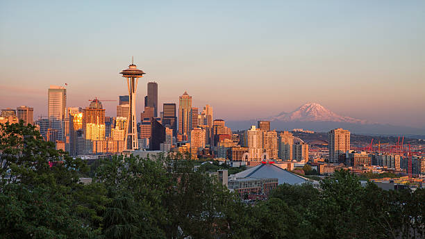 Sunset Seattle from Kerry Park washington state stock pictures, royalty-free photos & images