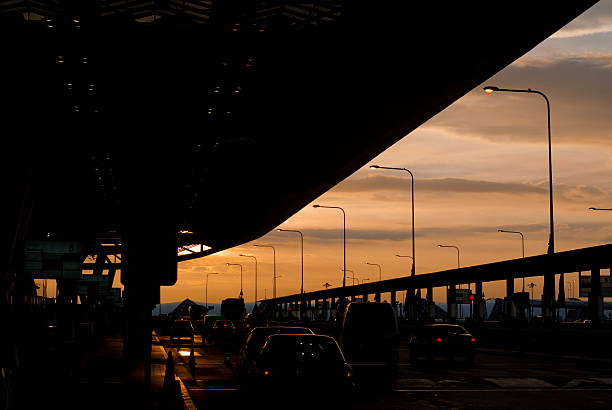 sunset sky from suvannabhumi airport entrance - airport pickup stockfoto's en -beelden