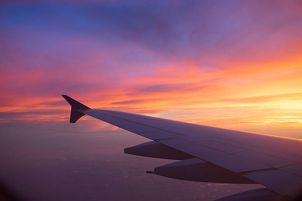 Sunset sky from the airplane window – Foto