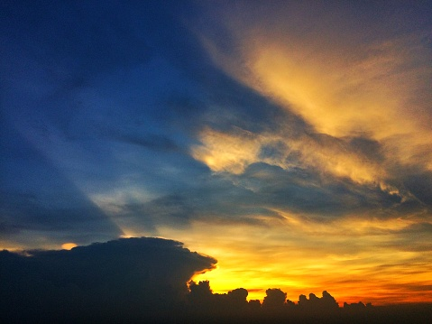 Sunset Sky With Clouds - zdjęcia stockowe i więcej obrazów Abstrakcja