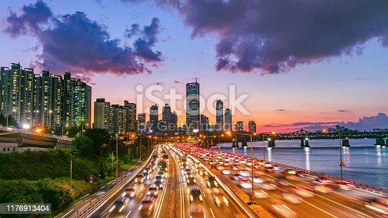 istock Sunset Traffic Seoul City South Korea 1176913404