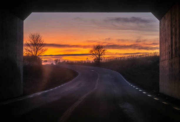 viadukt i solnedgången - tunnel trafik sverige bildbanksfoton och bilder