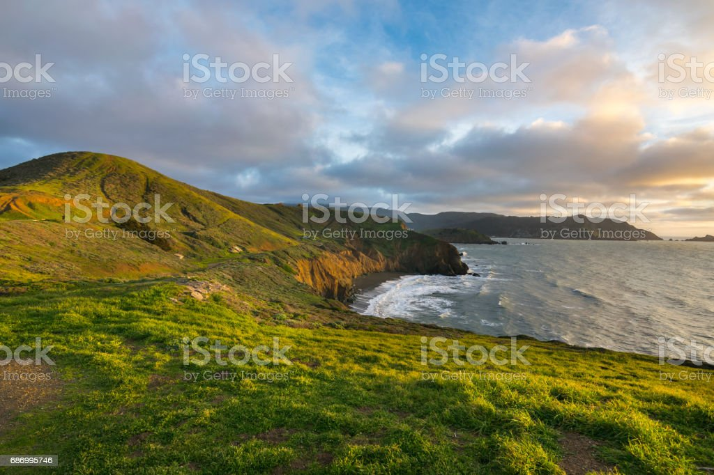 Sunset view at Mori Point over the coastline and Pacific Ocean, Golden Gate National Recreation Area, Mori Point Road, Sharp Park, Pacifica, California, USA, North America Lizenzfreies stock-foto