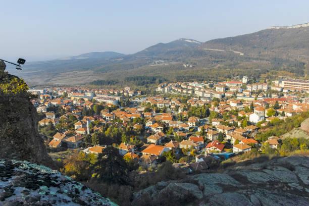Kaleden Belogradchik kasabasının gün batımı manzarası, Bulgaristan stok fotoğrafı